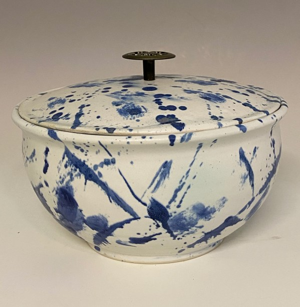 Blue and white steamer